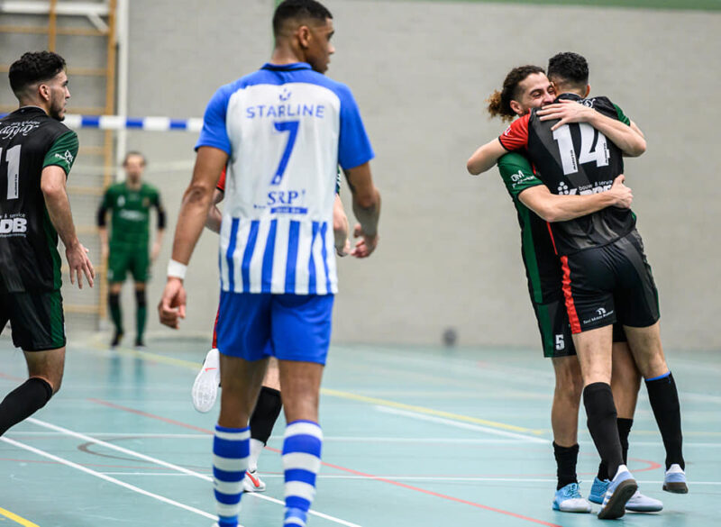 Tien Eredivisieploegen in achtste finales beker